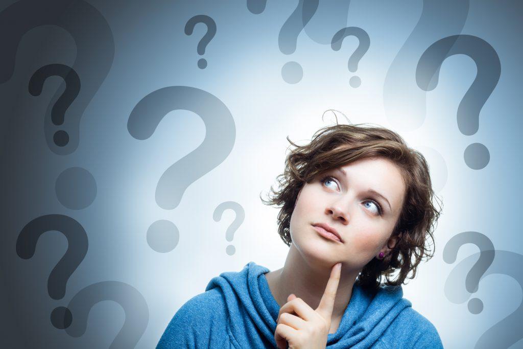 easybox faq frau mit vielen Fragezeichen um den Kopf
