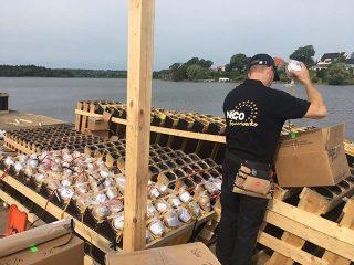 nico europe aktuelles bild von mitarbeiter beim aufbau silkeborg fireworks regatta show