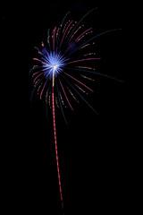 nico europe feuerwerke fireworks japantag japan day roter aufstieg zu blau-rotem funkeneffekt