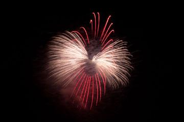 nico europe feuerwerke fireworks rhein in flammen rhine in flames riesen funkeneffekt in silber und rot am himmel
