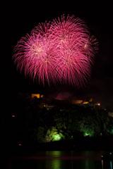 nico europe feuerwerke fireworks rhein in flammen rhine in flames gigantische rosa kugeleffekte am himmel