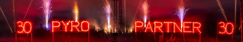 nico europe hoffest 2014 sliderbild 30 jahre pyro-partner in roter flammenschrift