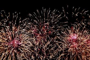 nico europe unternehmen feuerwerke liuyang creative musical fireworks competition rosa und silberne feuerwerkseffekte